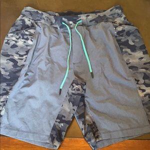 Lululemon men's Lined Workout shorts in XL